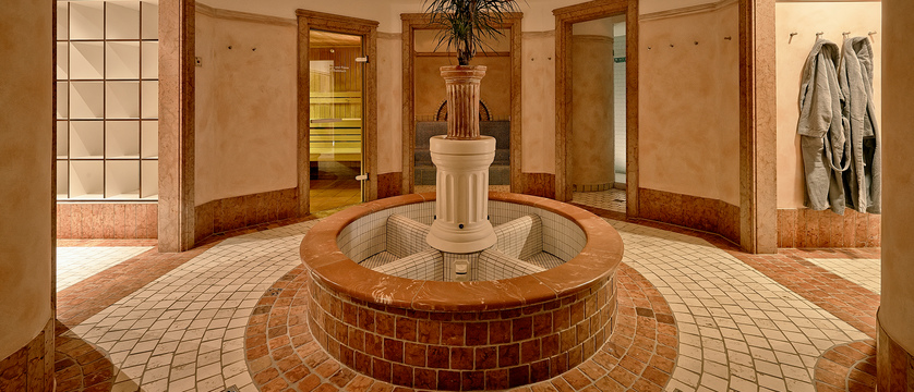 Sauna Hallway.jpg